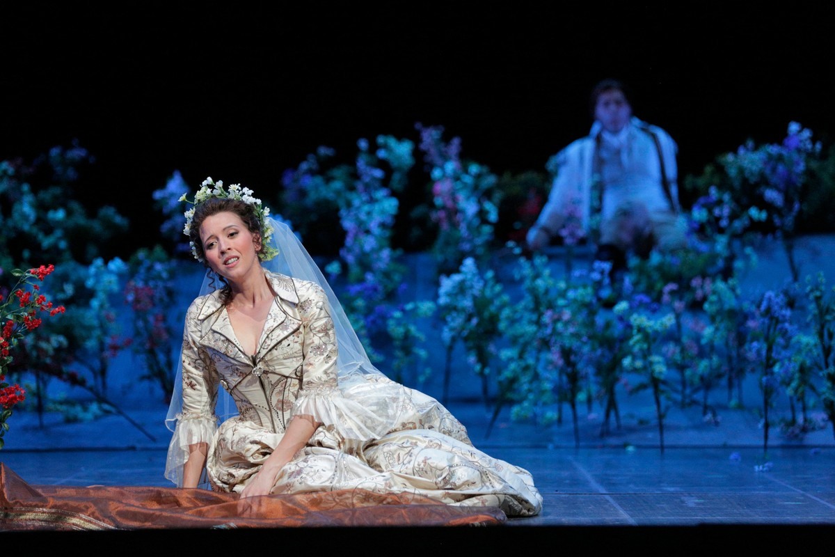 Lisette Oropesa in Marriage of Figaro at the Santa Fe Opera