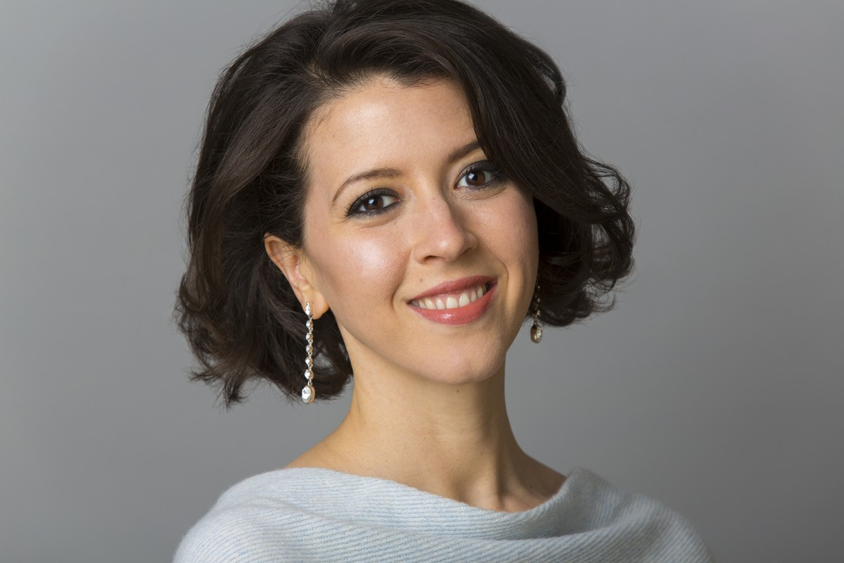 Lisette Oropesa is interviewed in Platea Magazine