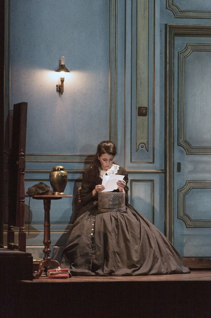 Lisette Oropesa in Lucia di Lammermoor at the Royal Opera House