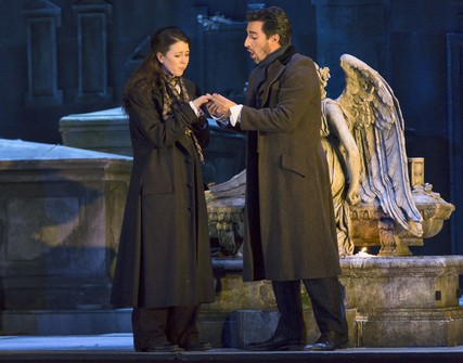 Lisette Oropesa and Charles Castronovo in Lucia di Lammermoor at the Royal Opera House