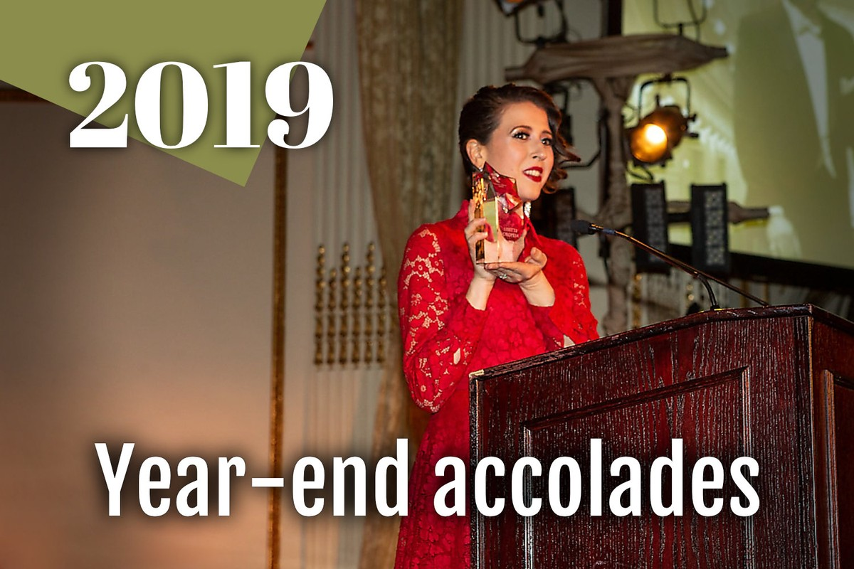 Lisette accepting the Richard Tucker Award in 2019
